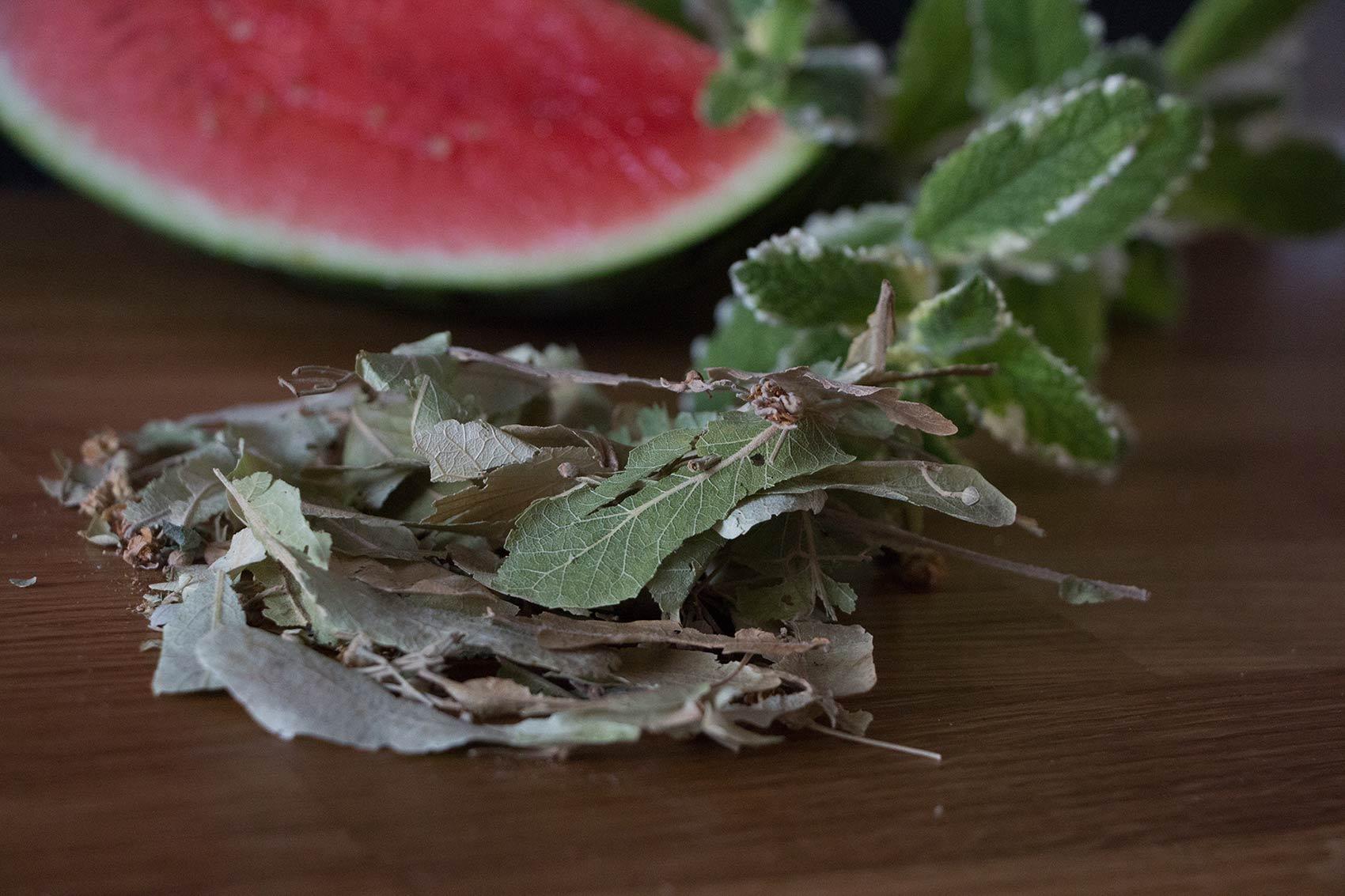 erfrischender Lindenblueten-Eistee herbal Hunter Sommerrezepte