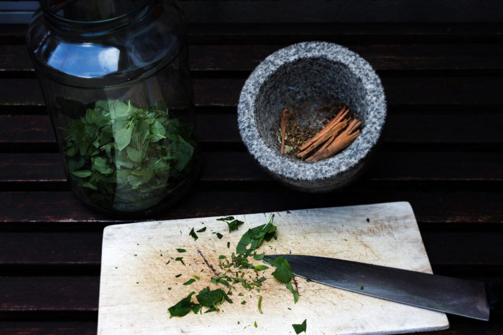 Herbal Hunter Rezept für einen Pfefferminzlikör