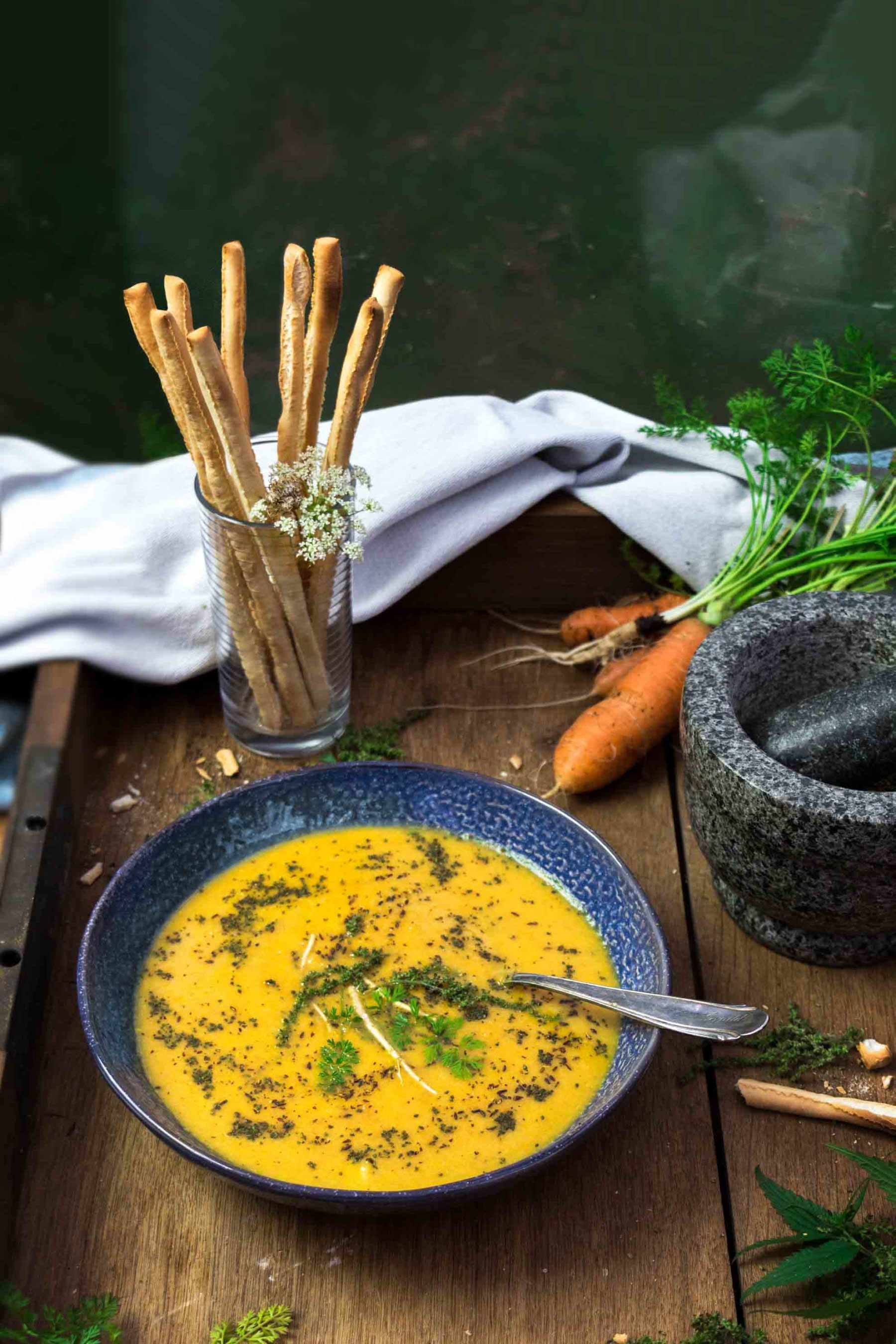 Möhren-Ingwer-Suppe Herbal Hunter Wildkräuterküche