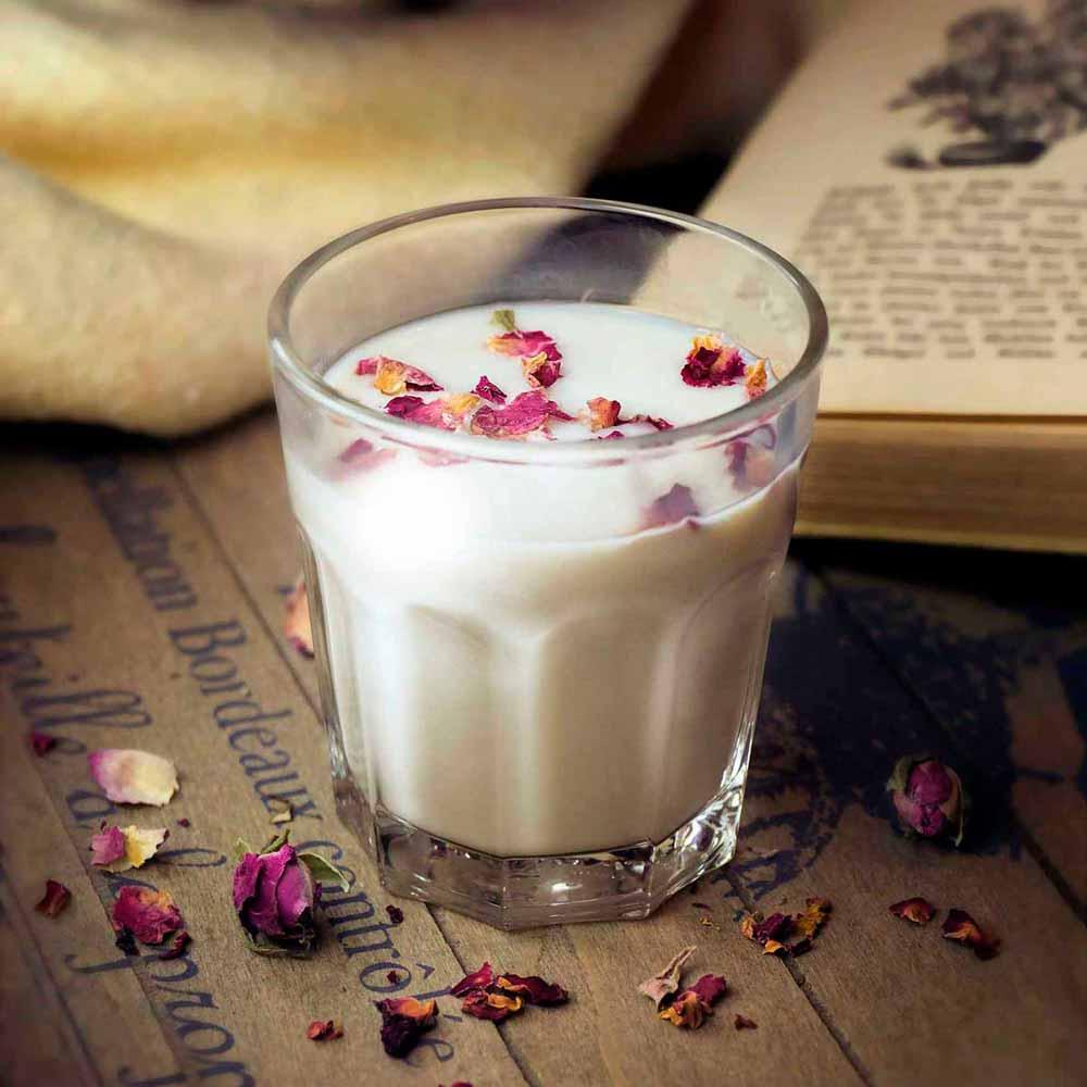 Rosen-Hafermilch – Rezept aus der Herbal Hunter Wildkräuterküche