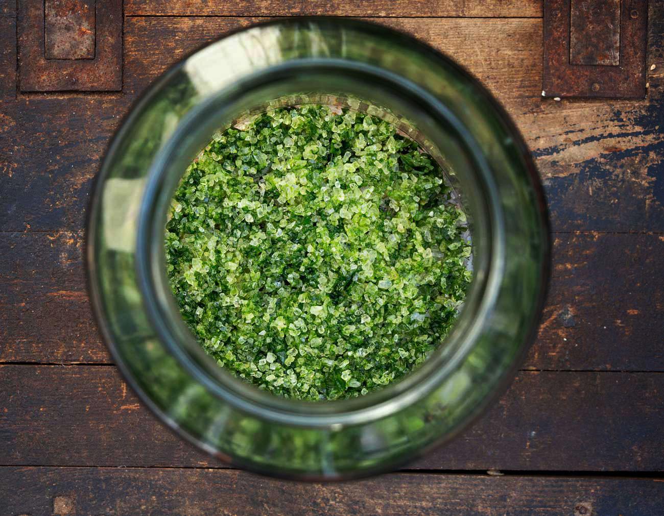 Jahres-Kräutersalz Herbal Hunter Kräuterblog